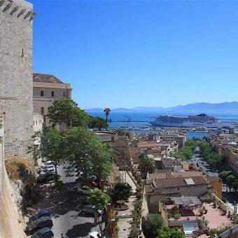 Zaino in spalla e tanta curiosità: cosa visitare a Cagliari By Day e By Night