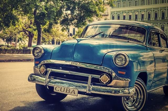 Auto a Cuba