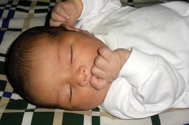 Bambino dormire